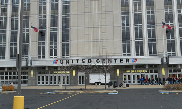 united-center-ext.jpg